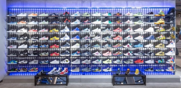 caballo de Troya puede biología  Tech muscle: The biggest, fastest adidas store is opening in London this  month - Retail Connections